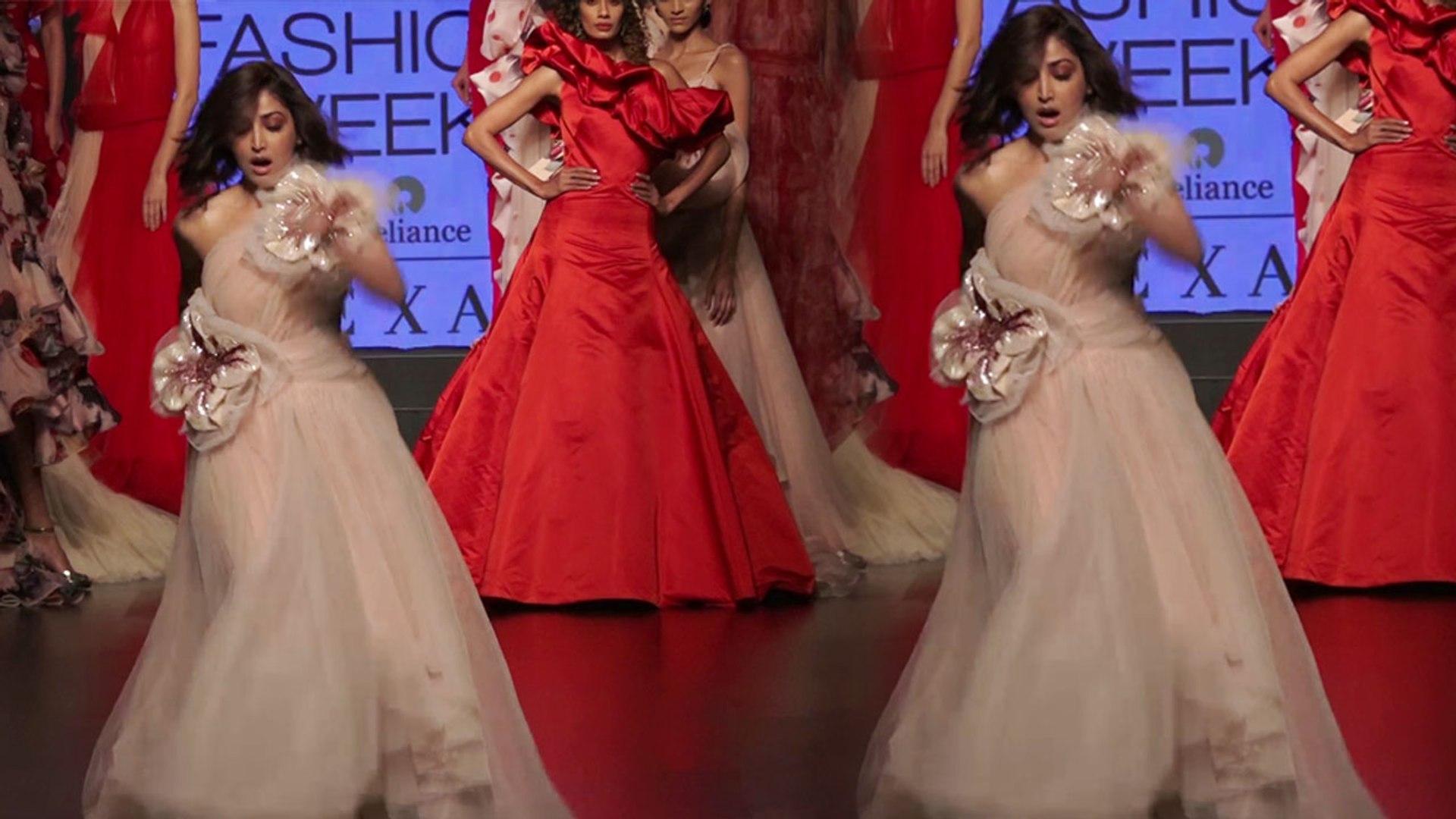 Yami Gautam trips while walking the ramp at Lakme Fashion Week 2019; Watch Video | FilmiBeat