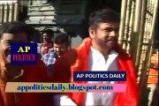 నాగార్జున తిరుమల సందడి చుడండి _ Nagarjuna VIsits Tirumala - AP Politics Daily