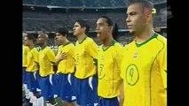 Seleção Brasileira com Ronaldinho Gaúcho, Ronaldo, Kaká, Adriano