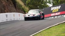 VÍDEO: Porsche 911 GT2 RS Clubsport, una bestia anda suelta y la pilota Mark Webber