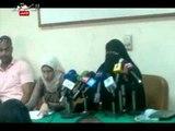 دموع والدة معتقل سياسى بالسعودية