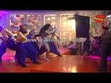 Veena Malik's Hot Scene I Dirty Picture    Making of Kannada Movie Silk Sakkath Maga - Hot Scene - 1