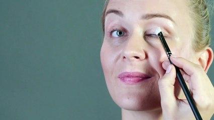 Make-up-Tutorial - Schminkschule: Augen optisch vergrößern