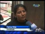 Lluvia en Loja colapsó pared y dañó vehículos nuevos