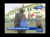 Violentos enfrentamientos en las afueras de la Asamblea Nacional