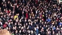 Sala : des fans de Southampton miment un avion pour se moquer de Cardiff