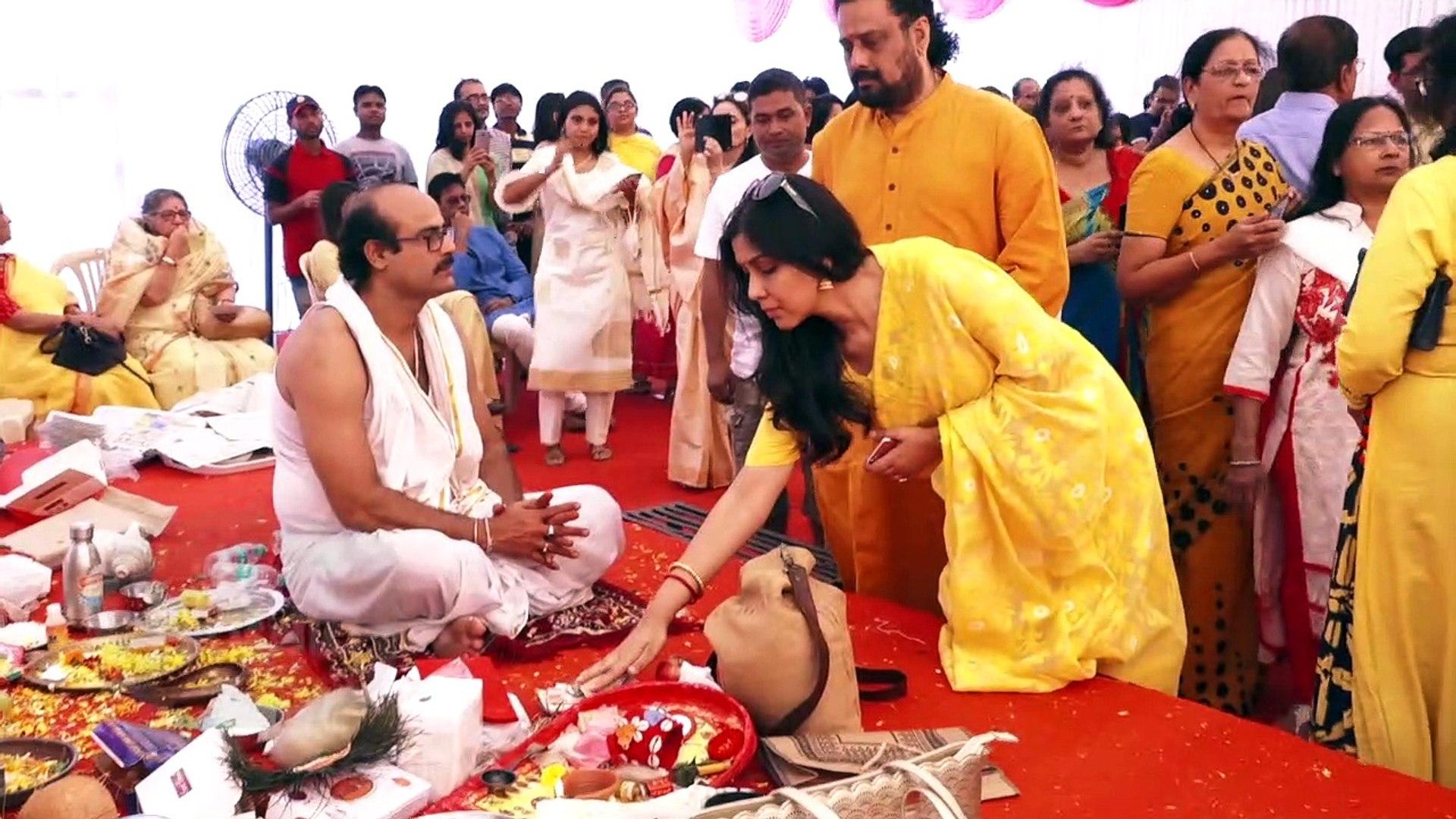 Sakshi Tanwar & Sumona Chakravarti Attend Saraswati Puja At Anurag Basu's Place   Interview