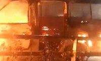 Angkutan Umum Terbakar di Ruas Jalan Tol
