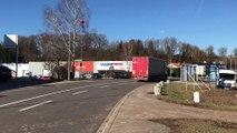 Vosges : démolition d' une maison dans la zone commerciale de Chavelot