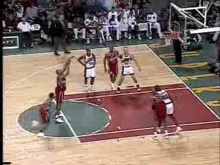 NBA BASKETBALL – Allen Iverson Dunks