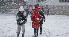 Yoğun Kar Yağışı Nedeniyle Ardahan'da Eğitime Bir Gün Ara Verildi