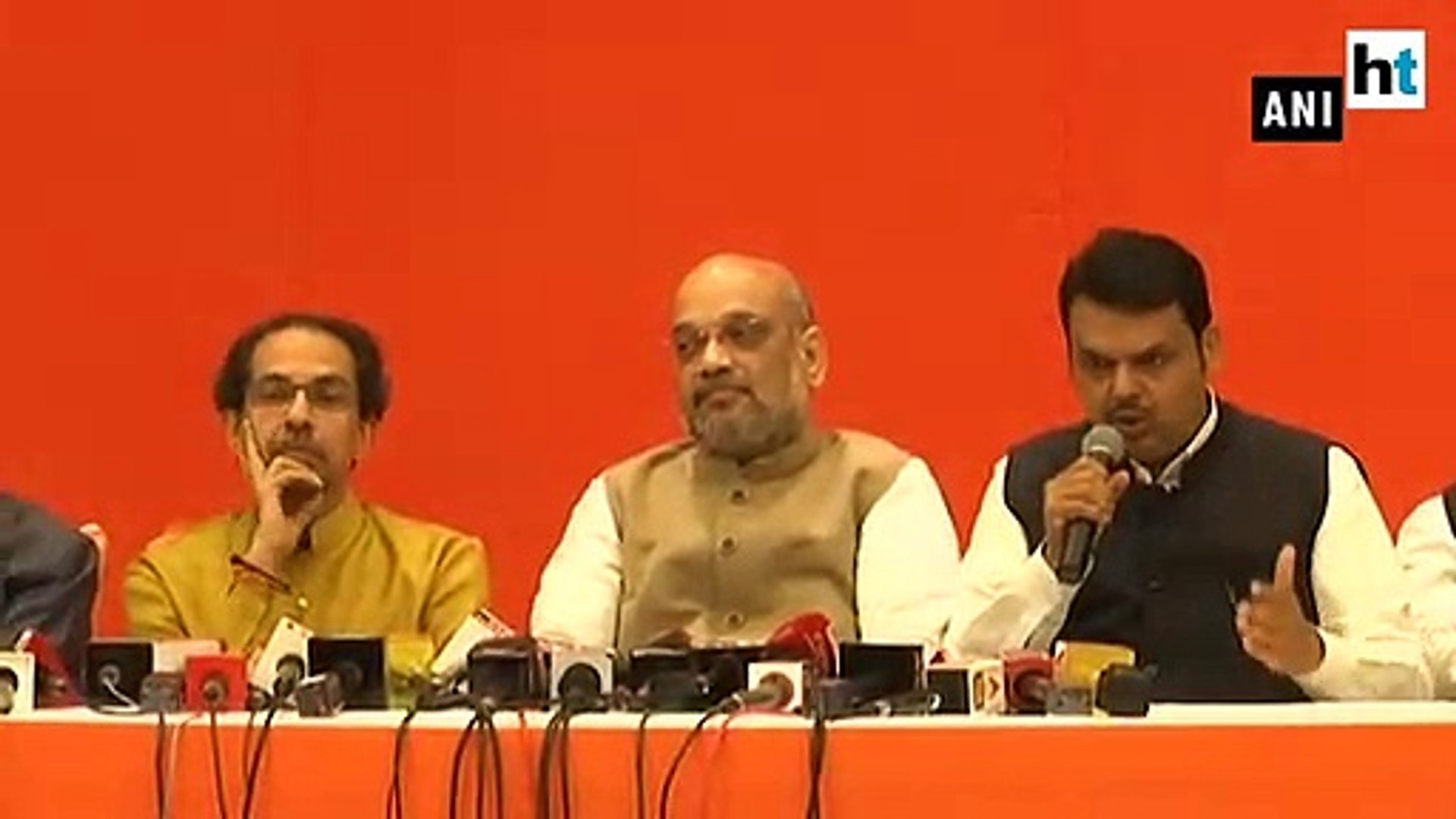 BJP-Shiv Sena ties intact, allies seal Lok Sabha pact with 25-23 formula