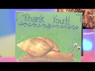FINGER TIPS: Glam Card Make