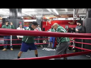 BROOKLYN WELTERWEIGHT JULIAN SOSA SMASHES THE PADS @ GLEASON'S GYM (NEW YORK) / JACK V DeGALE