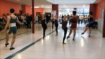 Douze danseurs du ballet de l'opéra Grand Avignon font le show à l'hôpital d'Avignon