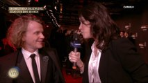 Laurie Cholewa interviewe Alex Lutz sur le tapis rouge - César 2019