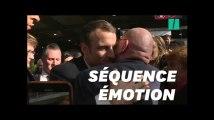 Au Salon de l'agriculture, un retraité fond en larmes dans les bras de Macron