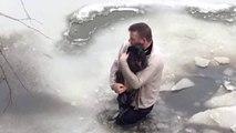 Un homme saute dans l'eau glacée pour sauver un chien coincé dans un ruisseau