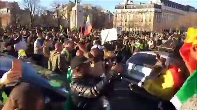 Paris- Mobilisation contre Paul BIYA- featuring les gilets jaunes de France