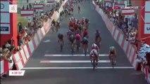 Cyclisme - UAE Tour - Fernando Gaviria remporte la 2e étape devant Elia Viviani