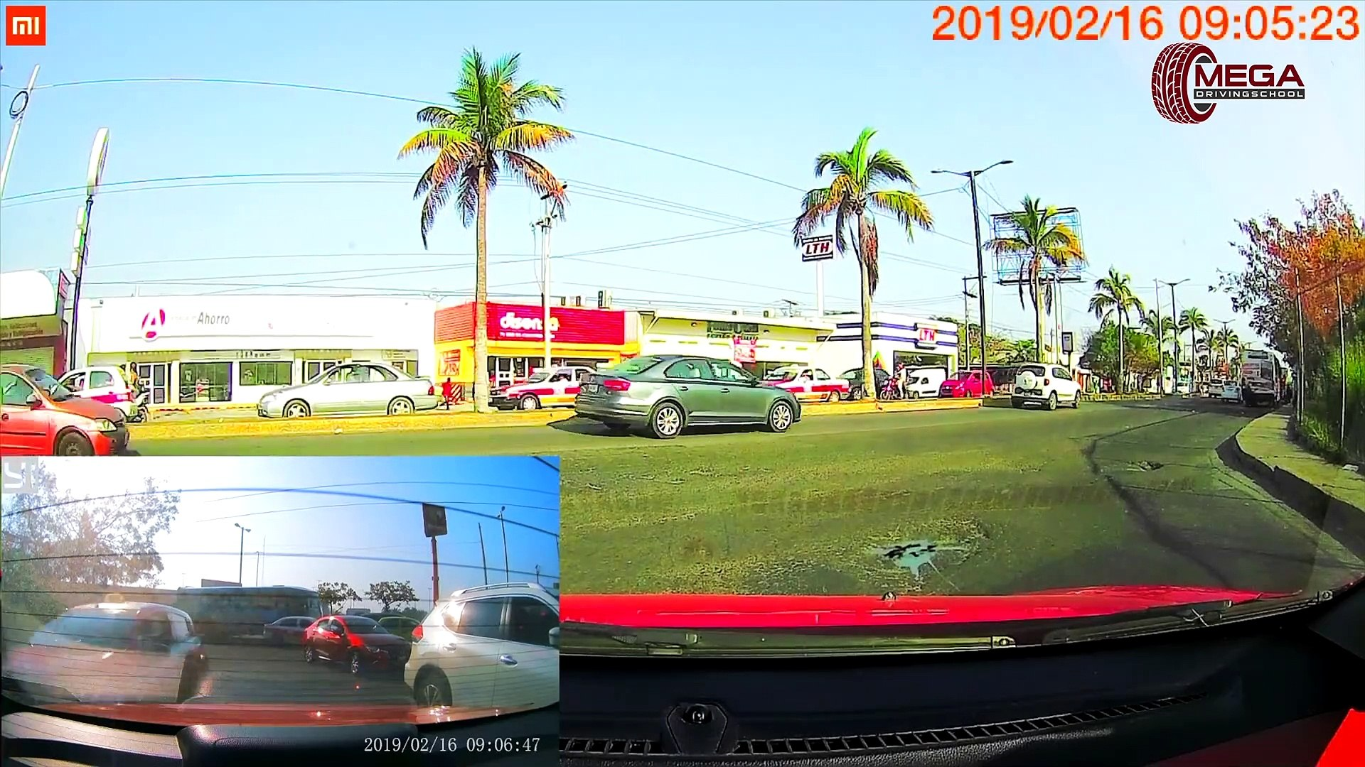 Ultimate North American Cars Driving Fails Compilation - 208 [Dash Cam Caught Video]