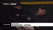 Zigarettenpause für Nordkoreas Machthaber Kim Jong Un