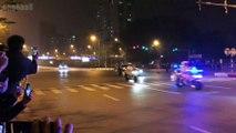 [ Trước Hội nghị thượng đỉnh Mỹ-Triều ngày 27,28/02/2019 ] Hà Nội tối ngày 26/02/2019: Đoàn xe của tổng thống Donald Trump trên đường từ sân bay Nội Bài về JW Marriott Hotel Hanoi: Người dân chờ đón trên đường Võ Chí Công - 3
