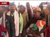 VIRAL VIDEO: हरदोई की कॉंस्टेबल बनी मिसाल, सीएम की सुरक्षा के साथ बच्चे की देखभाल