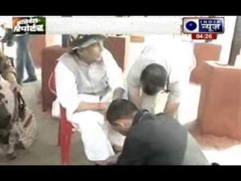 Rajnath Singh allows corp to tie his shoe laces