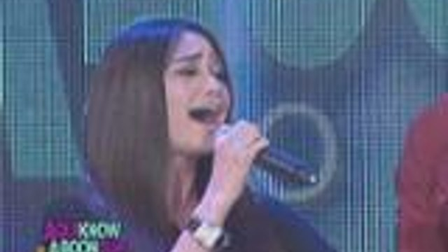 "Arci Munoz sings ""Laklak"" on Banana Split"