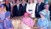 Royal Baby: Du Prince Charles au Prince Georges, redécouvrez les images de la présentation des bébés de la famille Royale