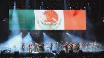 El tenor Plácido Domingo une a miles de personas en un concierto benéfico en México