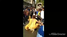 Un homme fait une bourde pendant une battle de danse contre une fille !