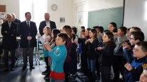 Des élèves de Saint-Laurent-de-Chamousset chantent pour le ministre Blanquer