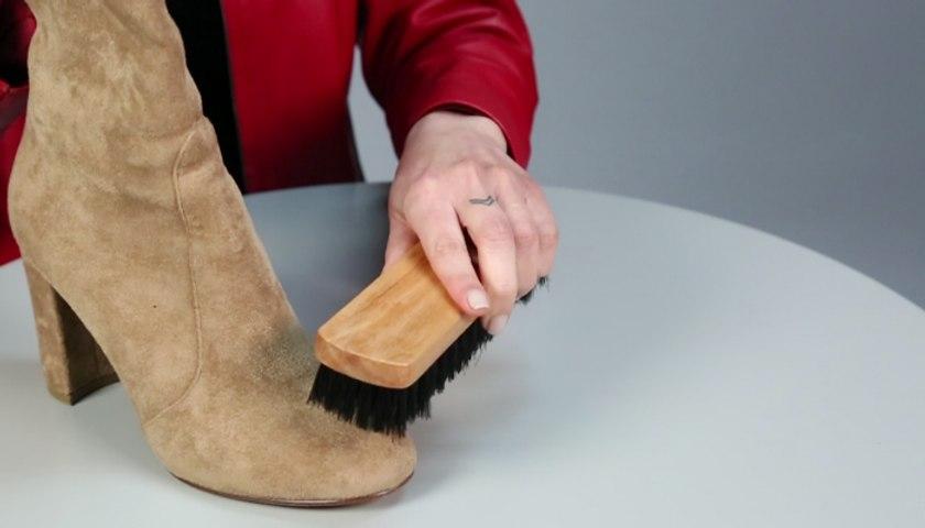 5 طرق ذكيّة لتنظيف مختلف أنواع أحذيتك بمكوّنات موجودة في منزلك