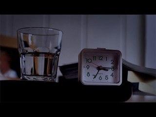 تحذير: لا تشرب الماء المتواجد بجوار السرير نهائي