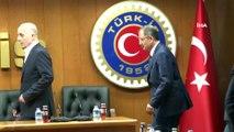 Ankara Büyükşehir Belediyesi Başkan Adayı Mehmet Özhaseki, TÜRK-İŞ'i ziyaret etti