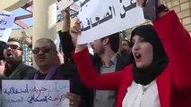 Cezayir'de Bouteflika karşıtı avukatlar protestolara destek verdi