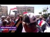 صدى البلد | العشرات يتظاهرون بالقائد إبراهيم لدعم الدولة ضد الارهاب.