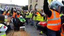 Les motards rejoignent les Gilets jaunes pour l'acte XVII.