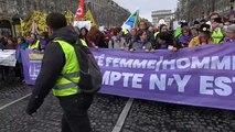 """Frankreich: """"Pinkwesten"""" fordern mehr Frauenrechte"""