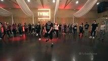 Cet homme de 40 ans fait une danse incroyable sur la chanson Wow de Post Malone