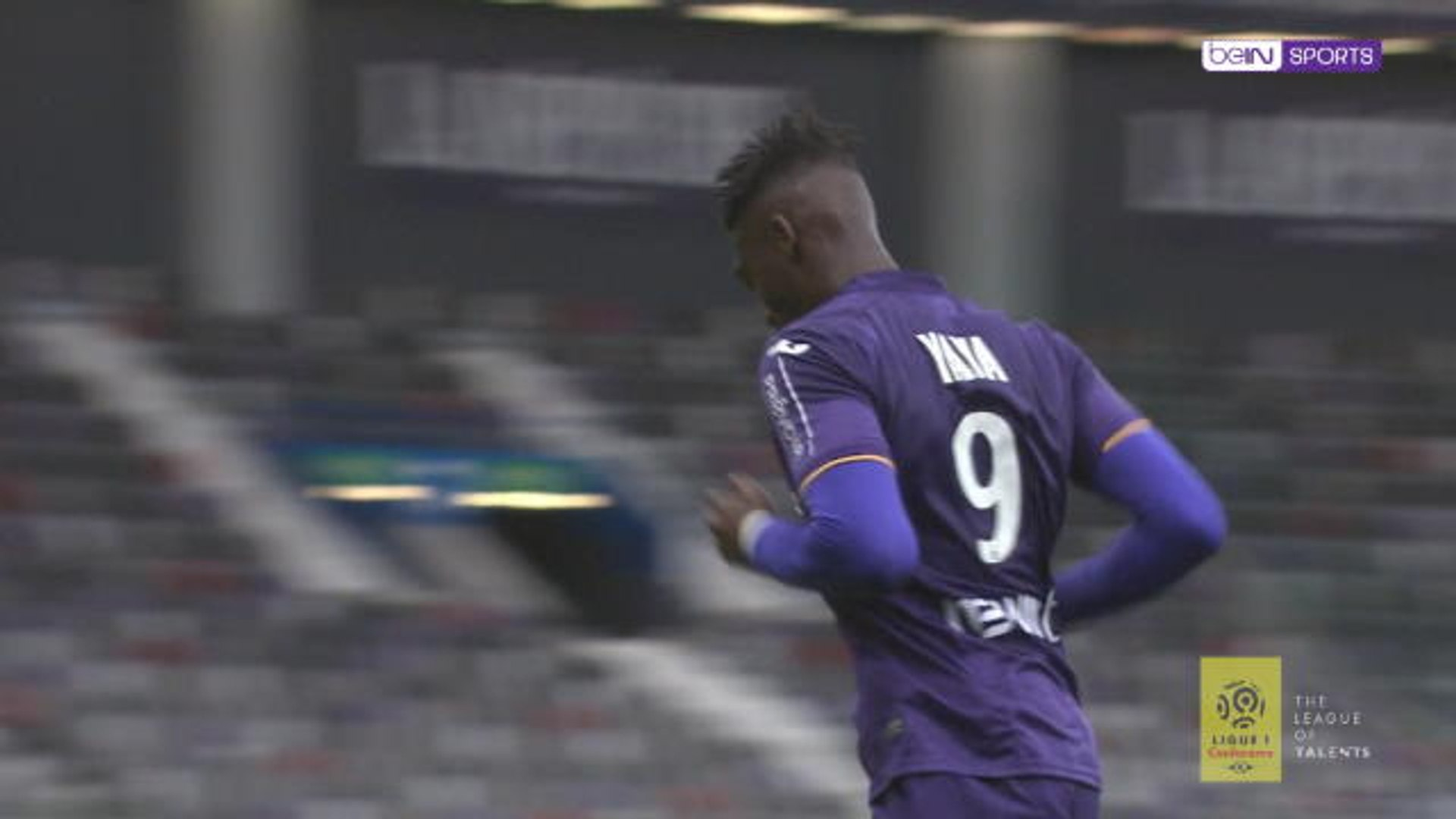 The former Gunner Yaya Sanogo gives Toulouse 3 points!