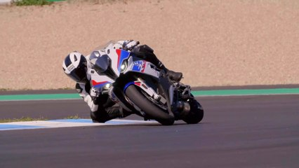 The new BMW S 1000 RR riding at Estoril