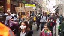 Les écoliers marchent pour le climat