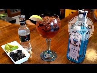 Gin Tonic con moras | Los mejores cócteles