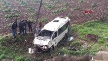 Gaziantep- Yolcu Minibüsü Devrildi 1 Ölü, 15 Yaralı