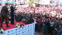 """CHP Lideri Kılıçdaroğlu:""""Ben konuşunca Bay Kemal konuşuyor diyorlar. Bay Kemal konuşmayıp da ne yapsın? Bay kemal olmak kolay değildir. Bay Kemal olmak için namuslu adam olmak zorundasın"""""""