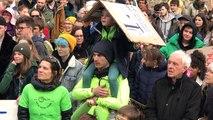 Marche pour le climat : prise de parole place Saint-Nicolas