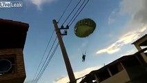 Ces parachutistes atterrissent en pleine ville !